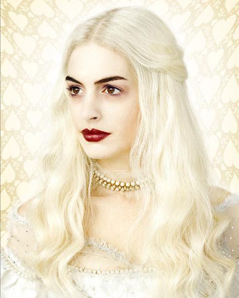 Anne Hathaway White Queen