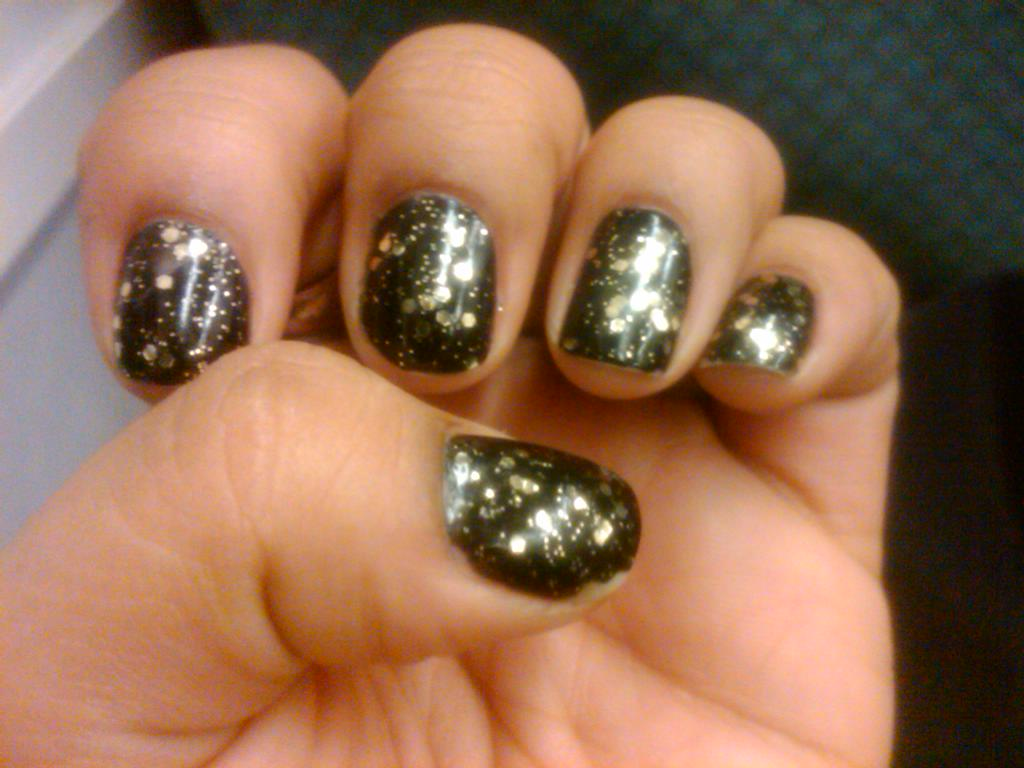 nails o.p.i only gold for me topcoat black onyx nail polish